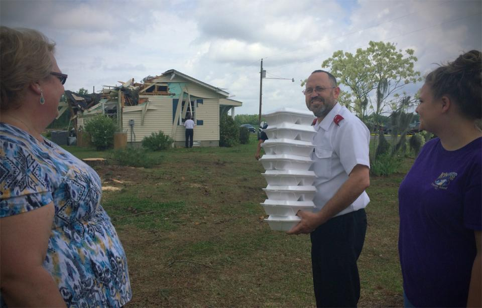 Lt Rabon serves meals to survivors of 2014 Tornadoes