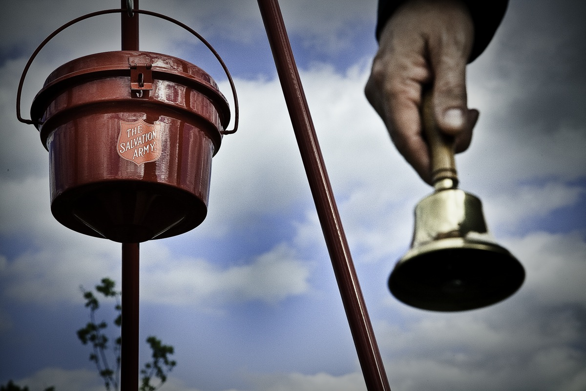 Salvation Army Kettle ~ Red kettle campaign the salvation army of columbia